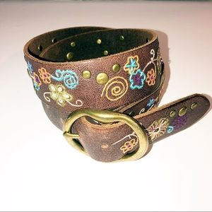Lucky Brand || Embroidered Belt Size 30